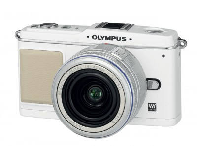 At last, a small camera that takes DSLR quality images.