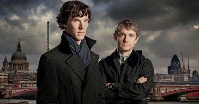 Benedict Cumberbatch as Holmes, Martin Freeman as Watson